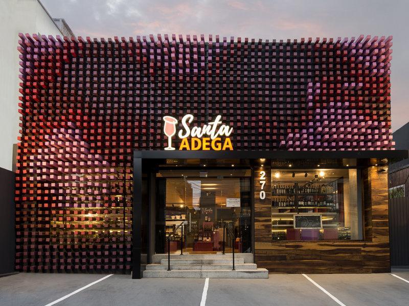 O vinho inspira a arquitetura de uma loja inusitada