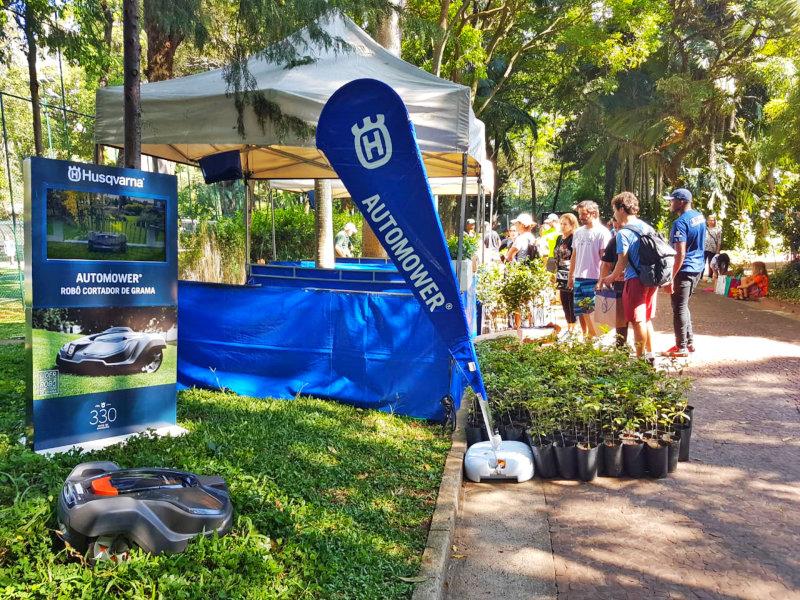 Husqvarna distribui mudas de árvores em ação com Esporte Clube Pinheiros